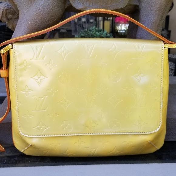 Louis Vuitton Handbags - Auth LOUIS VUITTON THOMPSON  STREET Shoulder Bag